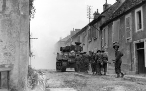 Wallpaper Weapons, black and white, Fog, War, Soldiers, Tank, Men, Devastation