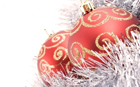 Picture balls, white background, tinsel