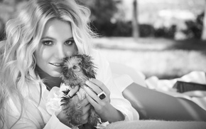 Picture pose, blonde, puppy, singer, Britney Spears, Britney Spears