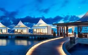 Picture beach, ocean, resort, bungalows