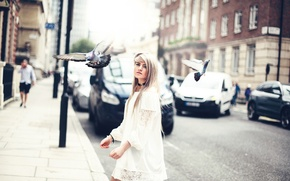 Picture girl, the city, pigeons, Amy Spanos, Marina Joyce