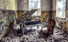Picture room, Windows, piano
