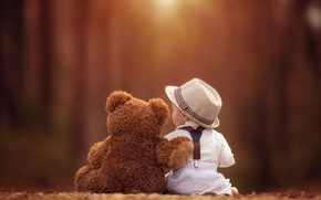 Picture together, child, hat, bear, friends