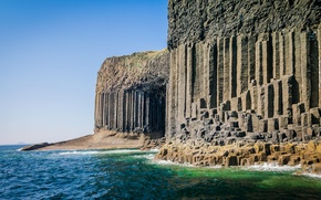 Picture the sky, rocks, posts, island, Scotland, Staffa