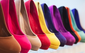 Picture color, heels, different color, same model