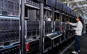 Picture server, computers, operator