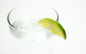 Picture water, glass, lime