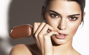 Picture look, close-up, face, background, hand, makeup, brunette, hairstyle, ice cream, beauty, Popsicle, Kendall Jenner, Kendall …