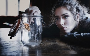 Picture Girl, photo, butterfly, mood, face, brunette, look, table, situation, feeling, portrait, jar