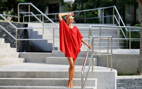 Picture summer, face, model, tan, dress, glasses, steps, legs