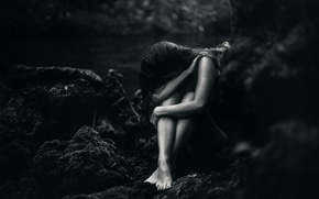 Picture girl, stones, Breaking, TJ Drysdale