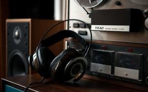 Picture headphones, NightHawk, AudioQuest
