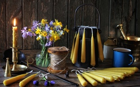 Picture bouquet, candles, dishes, still life, thread, daffodils, Muscari
