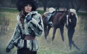 Picture look, girl, face, background, model, hat, horse, makeup, gloves, coat