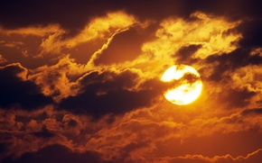 Picture the sky, the sun, clouds, sunset