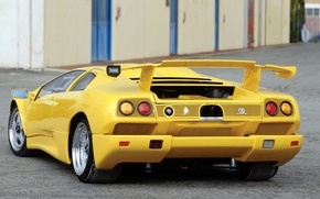 Picture the building, Lambo, spoiler, lamborghini, rear view, diablo, yellow
