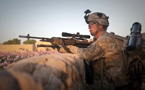 Picture weapons, soldiers, sniper