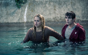 Picture girl, the film, guy, Nicholas Hoult, Teresa Palmer, warm bodies