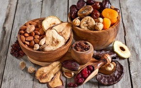 Picture cherry, Apple, pear, almonds, raisins, figs, dried apricots, dried fruits, dates