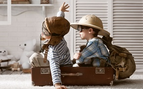 Picture children, the game, toys, hat, glasses, suitcase, backpack, bears, boys, pilots