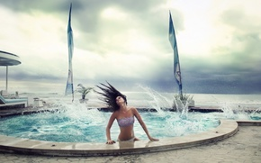 Picture wave, girl, the situation, the pool