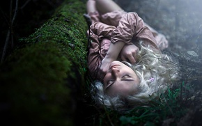 Picture forest, sleep, blond girl