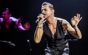Picture Microphone, Depeche Mode, David Gahan, Vest, Delta Machine