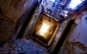 Picture heater, light at the end of the tunnel, dirt, fallen roof, doors, peeling walls, ruin, ...