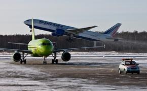 Picture Airport, Boeing, Boeing, 777, Airbus, Airbus, Siberia, Transaero, A-320