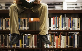 Picture feet, books, library, reads