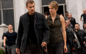 Picture girl, gun, wanted, soldiers, weapon, woman, man, resistance, rifle, jacket, Four, insurgents, Theo James, Shailene ...