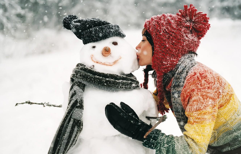 Photo wallpaper winter, girl, snow, kiss, snowman