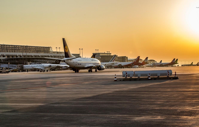 Photo wallpaper Sunset, Sunrise, Airport, Boeing, The plane, Passenger, 737