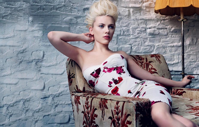 Photo wallpaper girl, wall, chair, actress, sitting, floor lamp, Scarlett Johansson, Scarlett johansson
