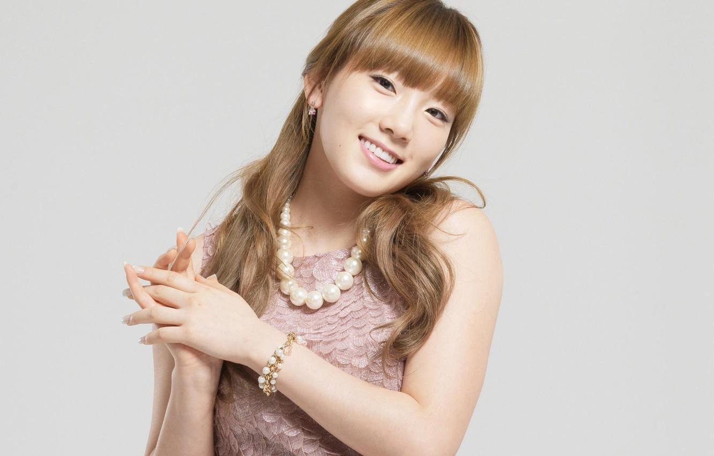 Photo wallpaper girl, decoration, face, smile, earrings, hands, dress, bracelet, Asian, taeyeon snsd