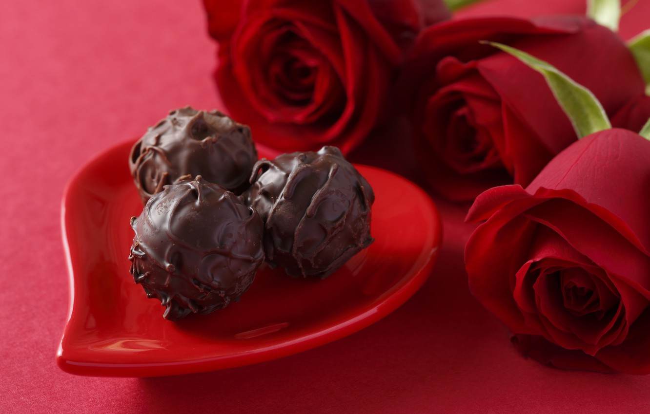 Photo wallpaper love, chocolate, roses, candy, red, love, heart, romantic, chocolate, Valentine's day, gift, roses