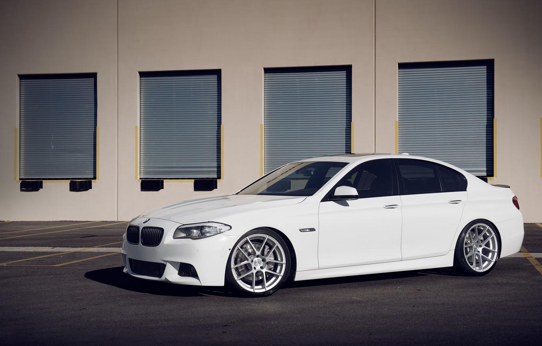 Photo wallpaper white, BMW, BMW, white, garages, F10, 550i, 5 series