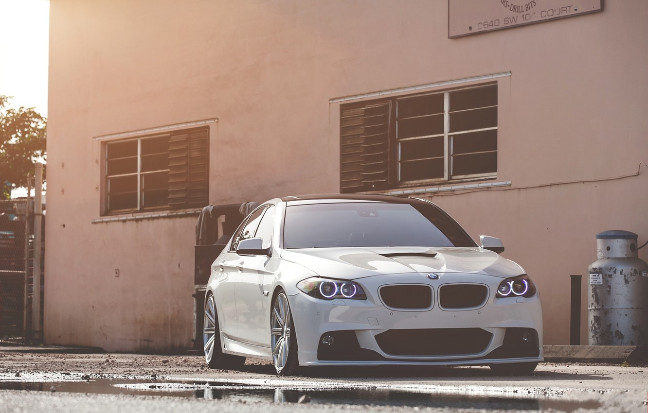 Photo wallpaper white, bmw, BMW, puddle, white, the front, f10, daylight, 550i