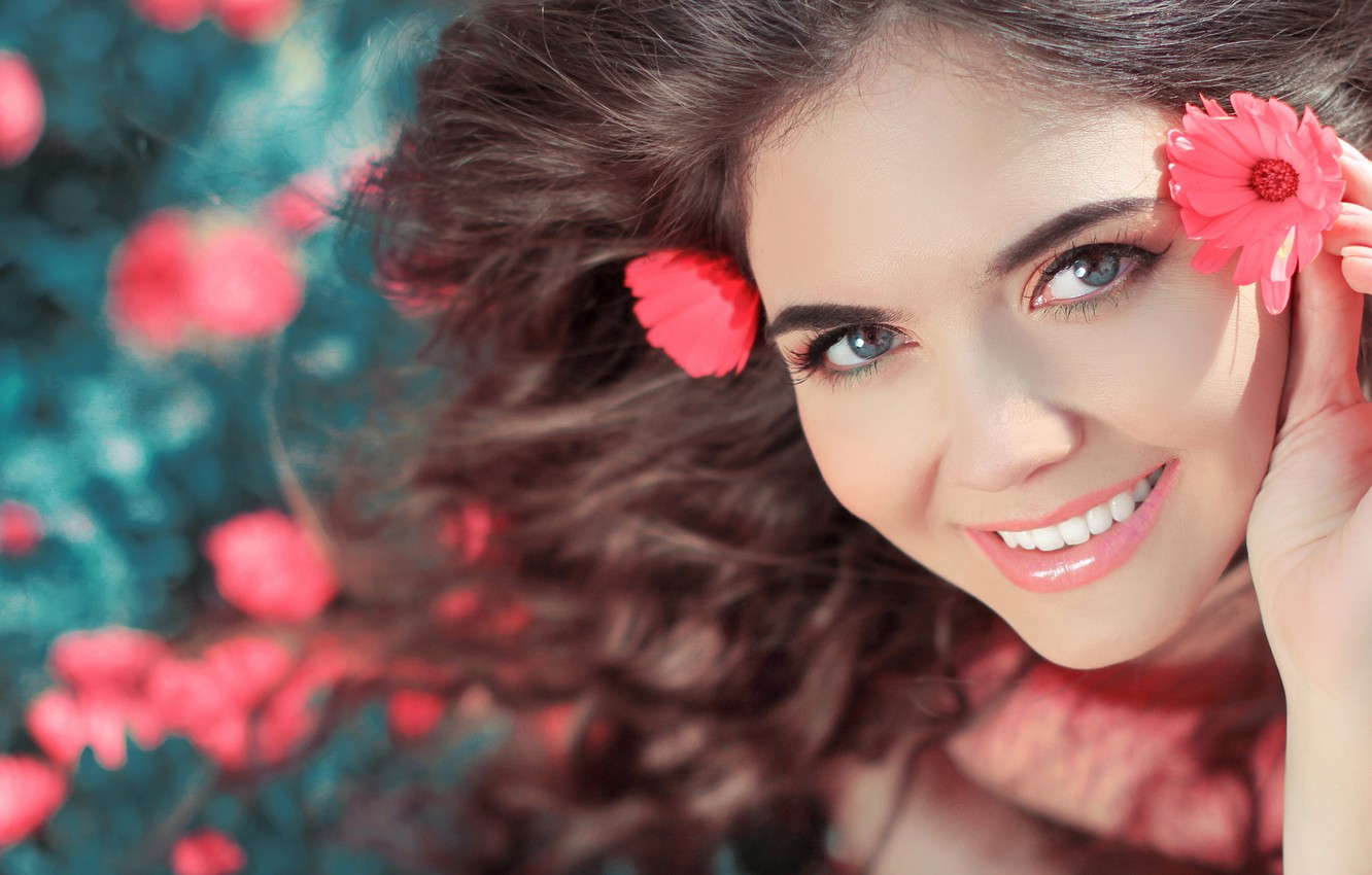 Photo wallpaper eyes, girl, flowers, face, smile, mood, hair, makeup, curls