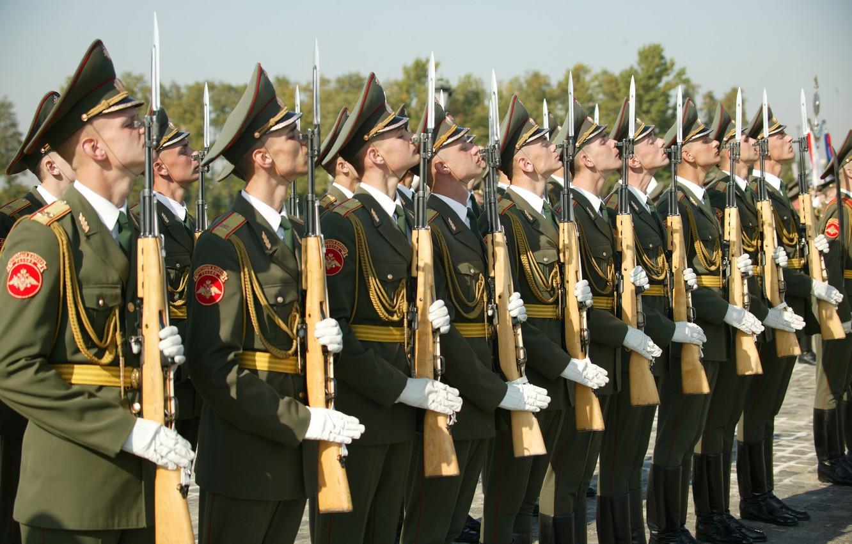pochetnyy-karaul-soldaty.jpg
