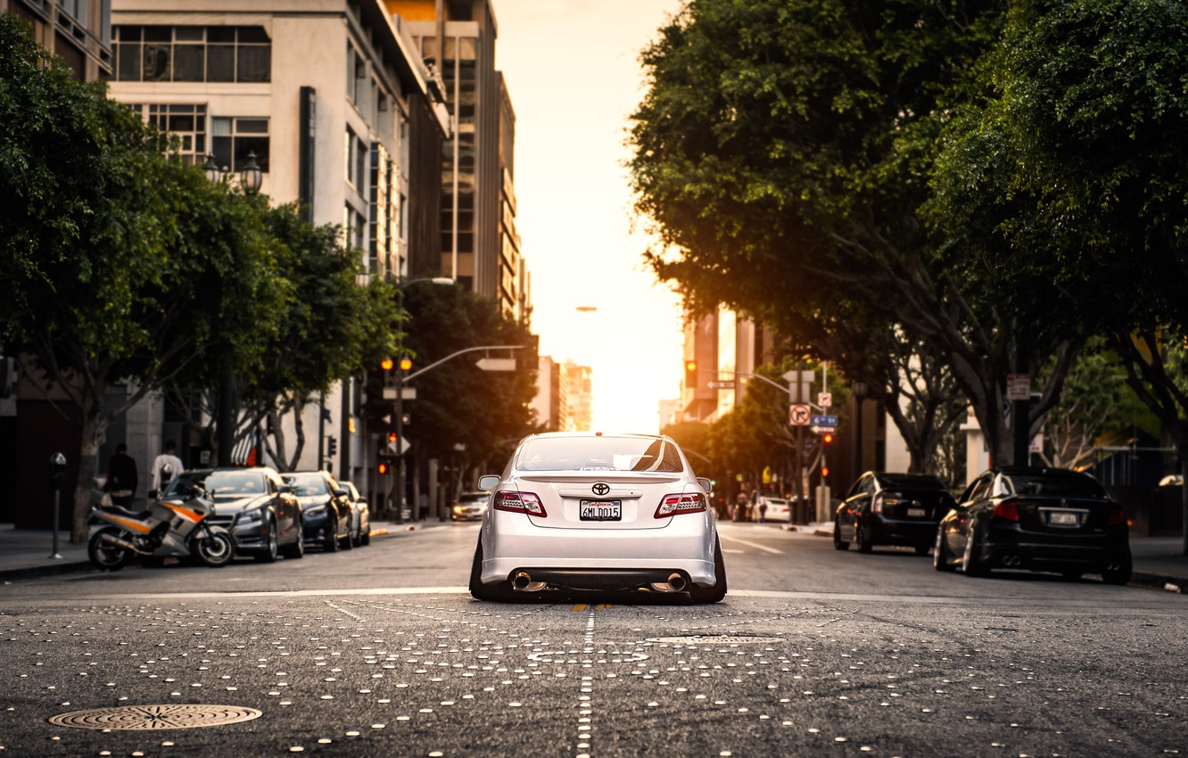 Photo wallpaper the city, street, white, white, toyota, Toyota, camry, Camry, stance