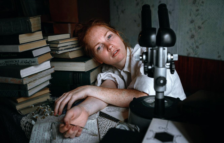 Photo wallpaper girl, books, freckles, Quest, Oksana Butovskaya