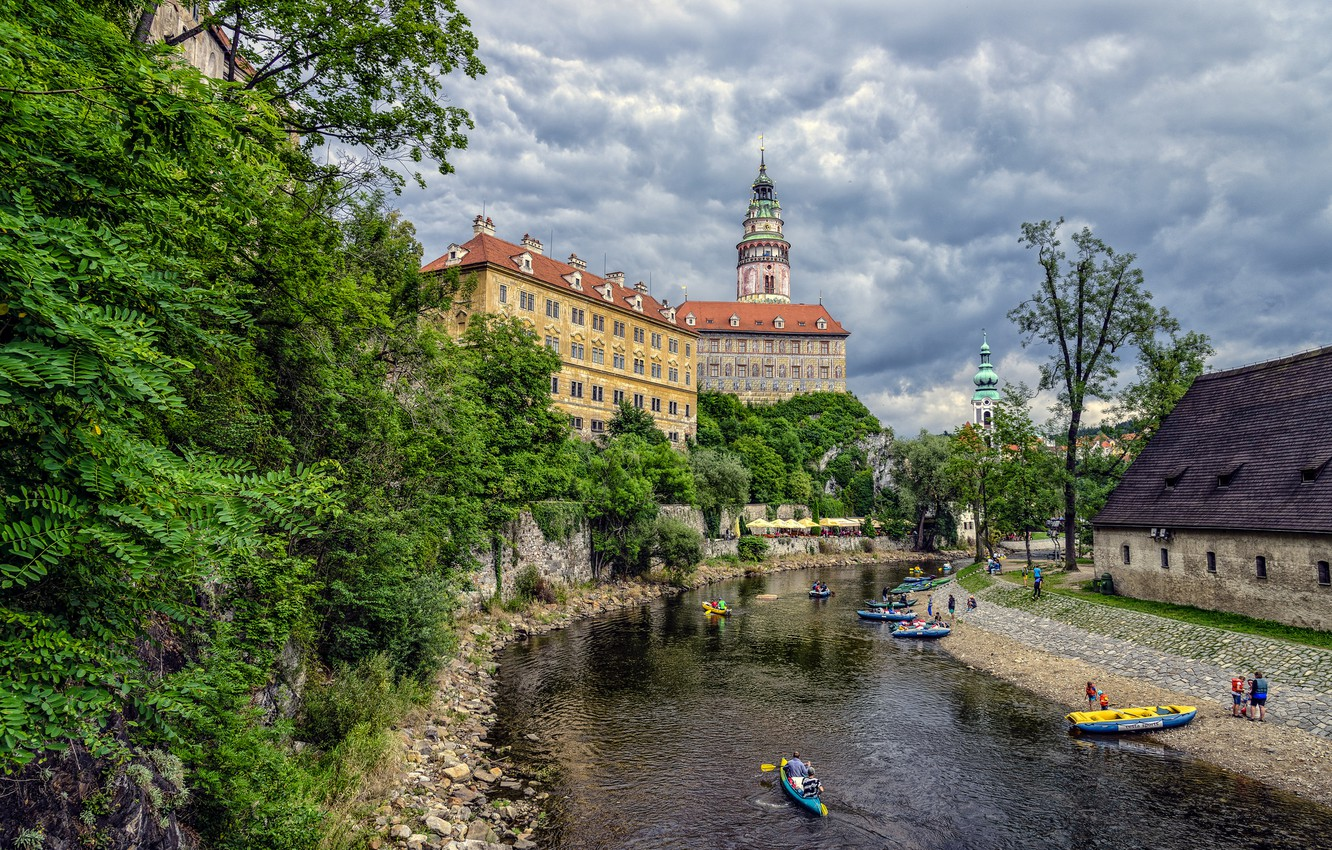 Photo wallpaper the sky, clouds, trees, river, castle, boat, tower, home, Czech Republic, Cesky Krumlov