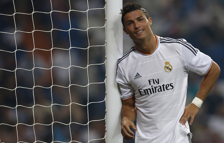 Photo wallpaper football, form, Cristiano Ronaldo, player, football, Ronaldo, player, Real Madrid, Real Madrid, Ronaldo, Christiano Ronaldo