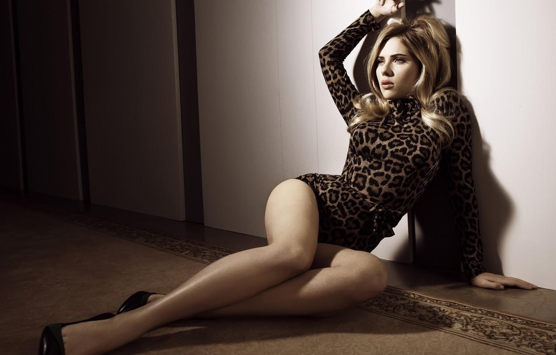 Photo wallpaper swimsuit, girl, actress, blonde, beautiful, leopard, legs, Scarlett Johansson, Scarlett johansson