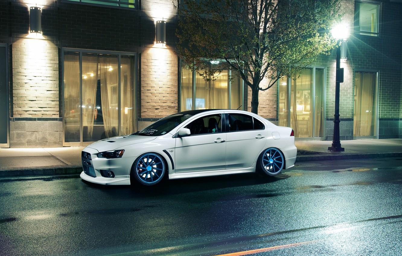 Photo wallpaper white, night, Windows, lights, Mitsubishi, Lancer, white, Evolution, Lancer, Mitsubishi, evolution, Vossen Wheels