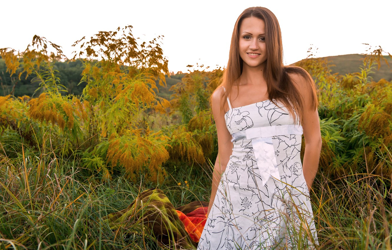 Photo wallpaper Nature, Girl, Grass, Smile, Model, Face, Hands, Brunette, Beauty, Shaina