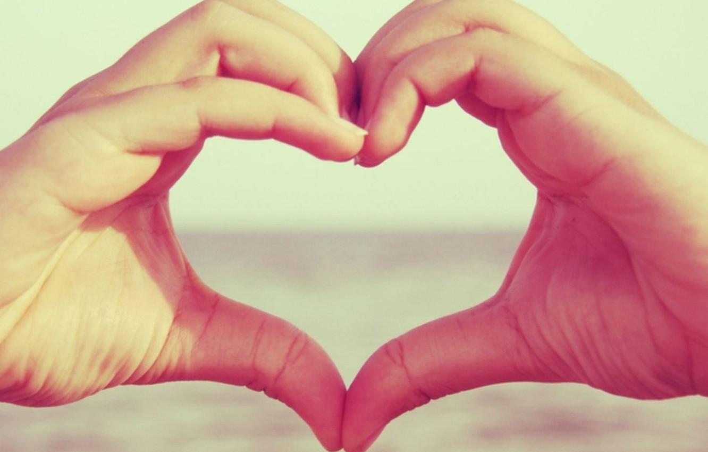 Photo wallpaper macro, love, heart, hands, love, feeling
