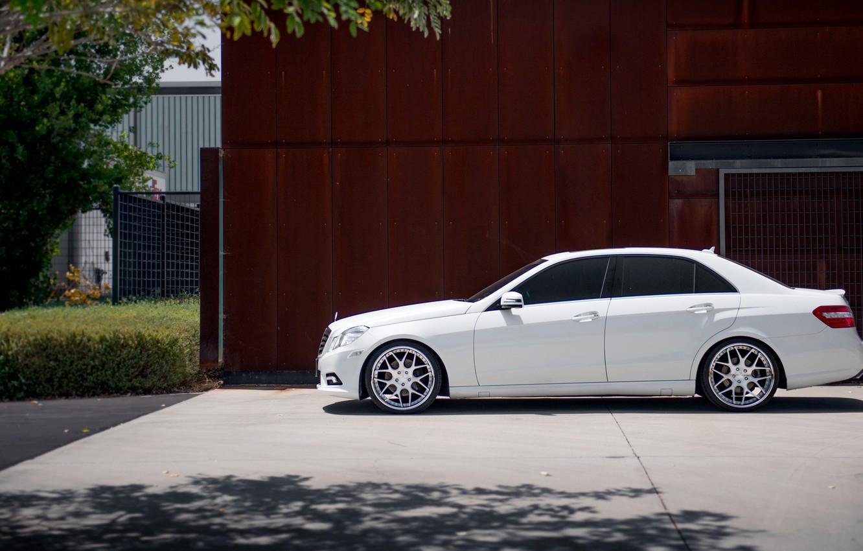 Photo wallpaper white, profile, Mercedes, white, E-class, Mercedes, E550