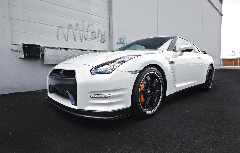 Photo wallpaper white, asphalt, reflection, nissan, white, Nissan, gtr, the front, gtr, r35